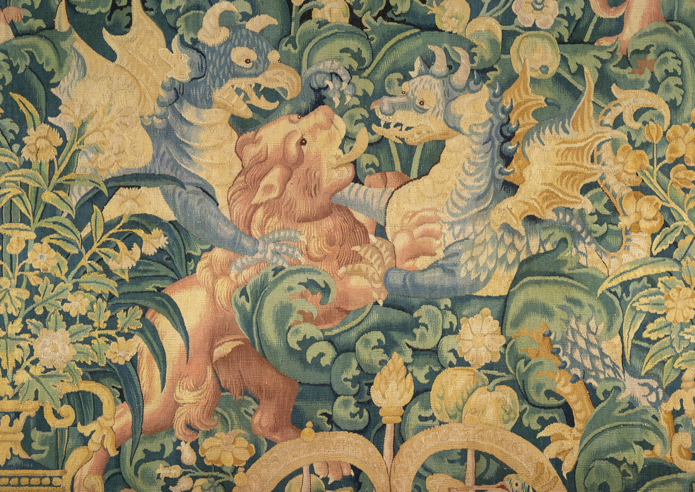 Tapisserie à décor de feuilles d'aristoloche - Galerie Kugel