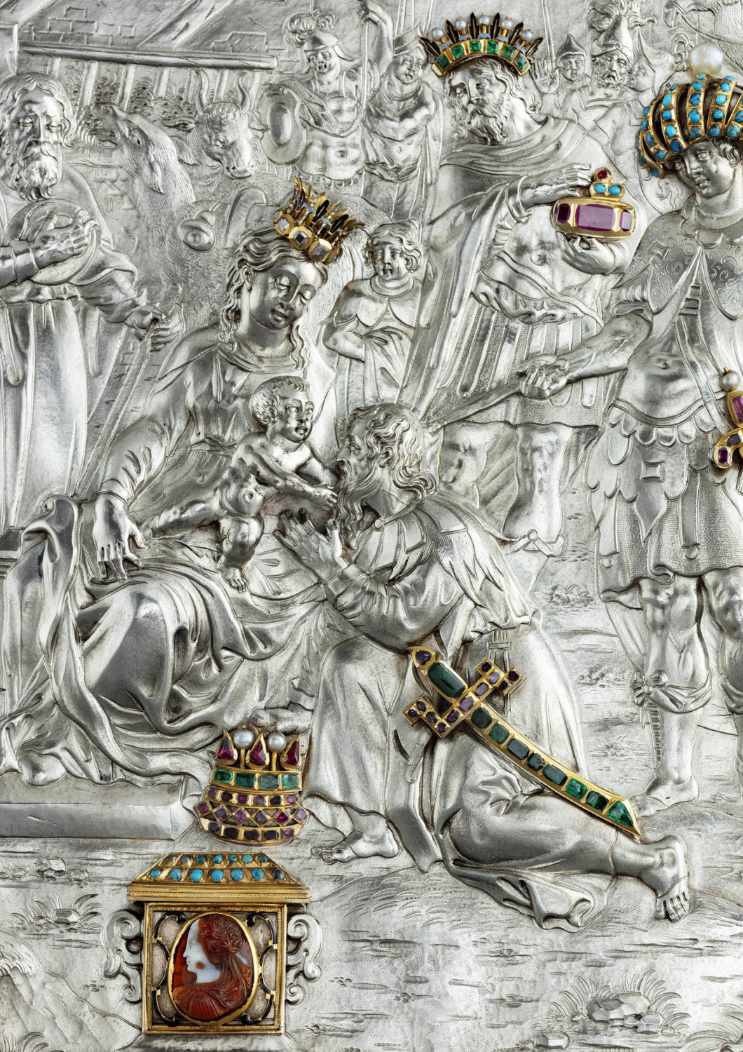 Silver relief enhanced with gemstones - Galerie Kugel