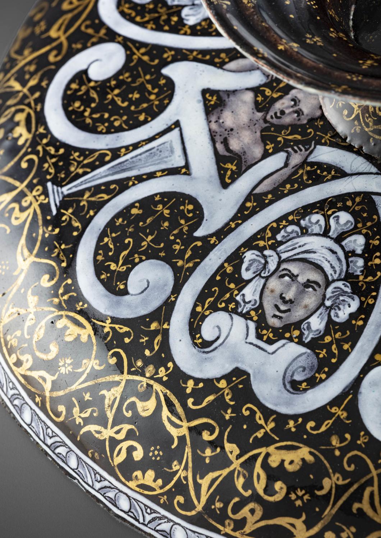A polychrome Limoges enamel tazza - Galerie Kugel